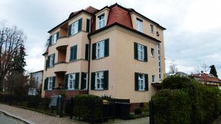 Mehrfamilienhaus Lahmannring 18a mit â��Zentrums für Jugend, Identität und Kulturâ�� im Keller